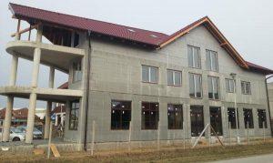 Multifunkčná budova v Nesvadoch